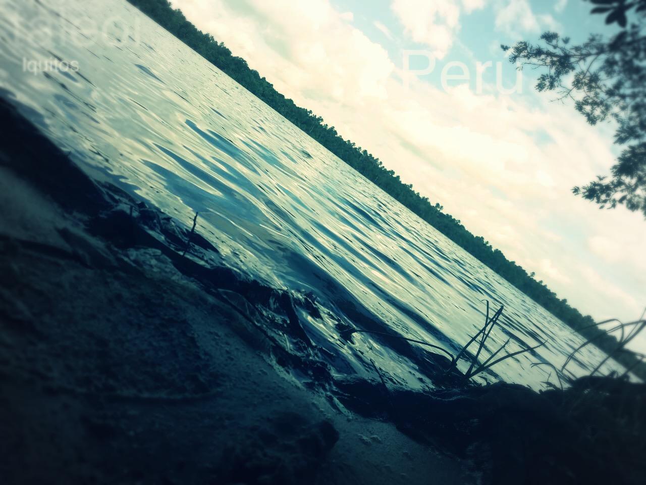 A orillas del rio en Iquitos