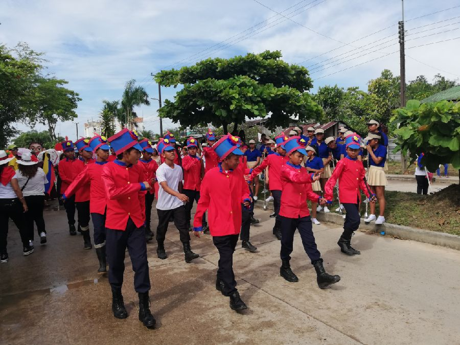 Desfile Estudiantil 19 julio Parte 2