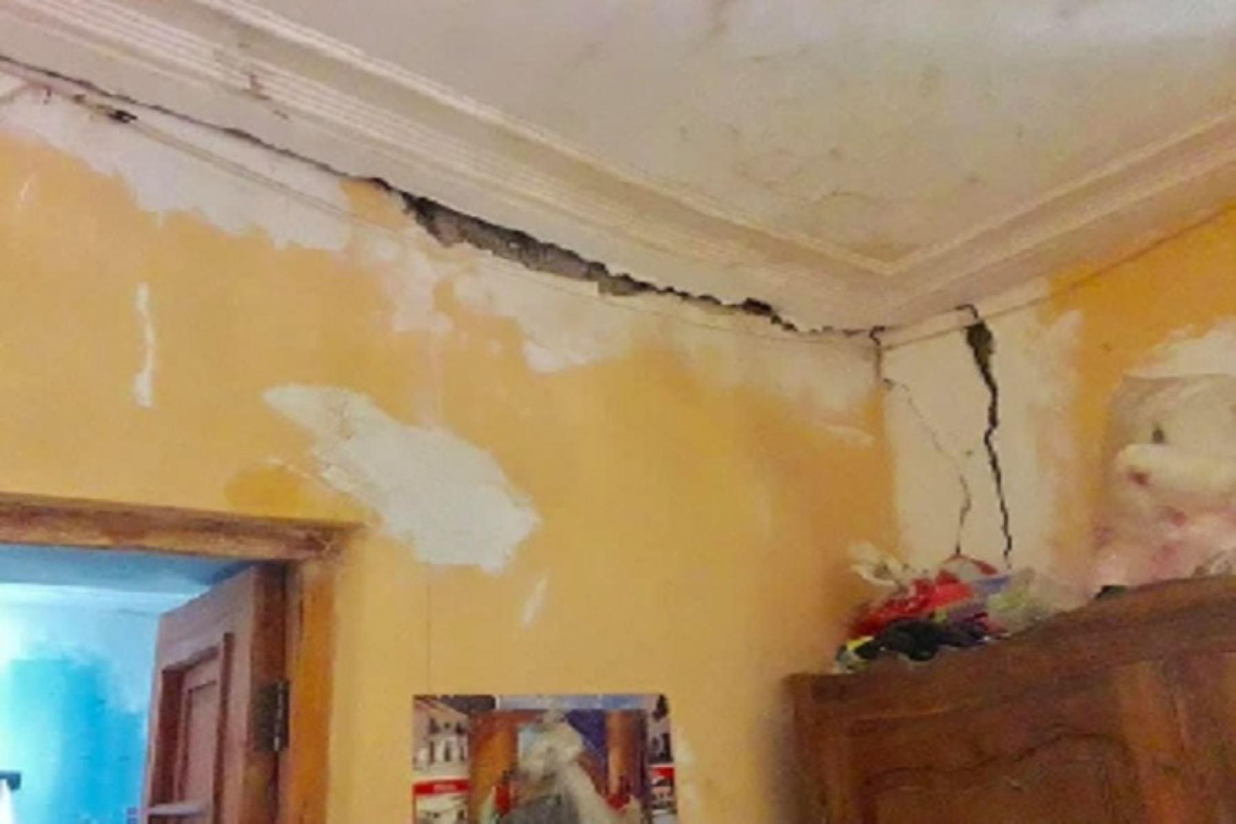 image for Gobierno de Loreto empieza atender a la población damnificada por sismo