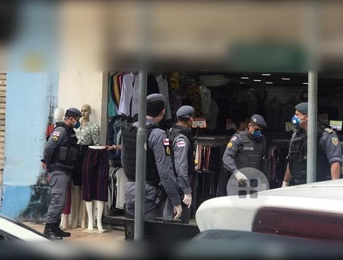 image for Centro de manaus no primeiro dia do decreto do governador