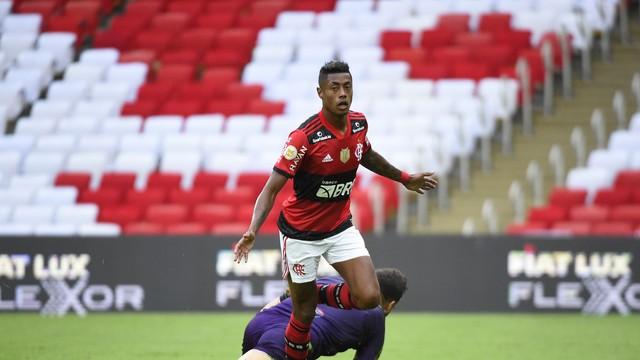 image for Flamengo supera desfalques e vence o América-MG no Maracanã