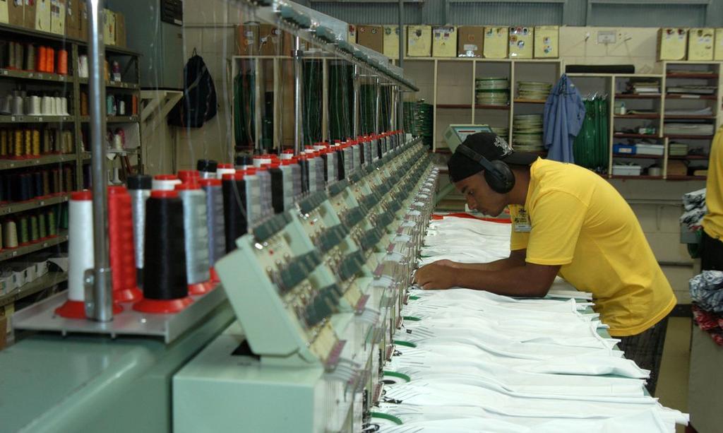image for Sete estados tiveram alta da produção industrial em janeiro