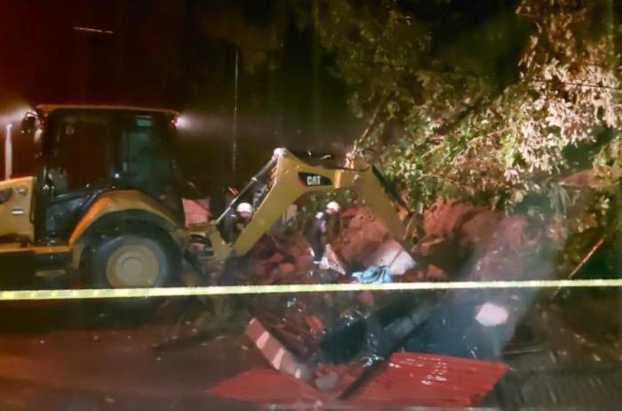 image for Deslizamiento en Puerto Valdivia deja Siete muertos y 9 heridos