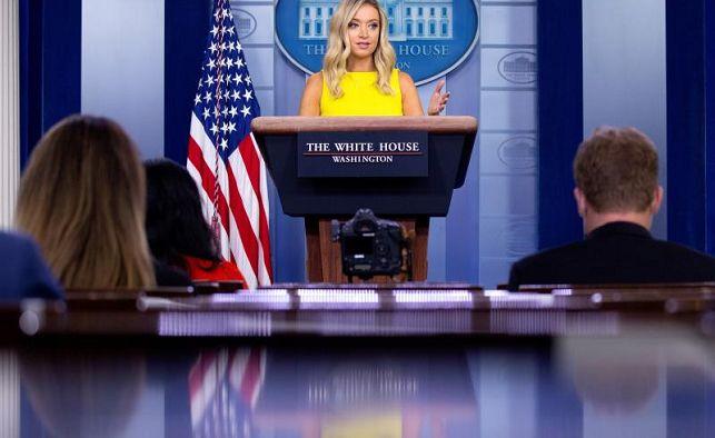 image for Casa Blanca defiende órdenes de Trump mientras aumentan temores de repunte