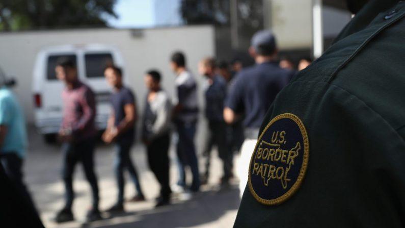 image for Gobierno de Trump anuncia que recolectará muestras de ADN a migrantes