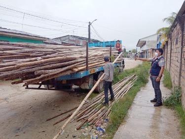 image for Entregan materiales para construcción de puentes peatonales