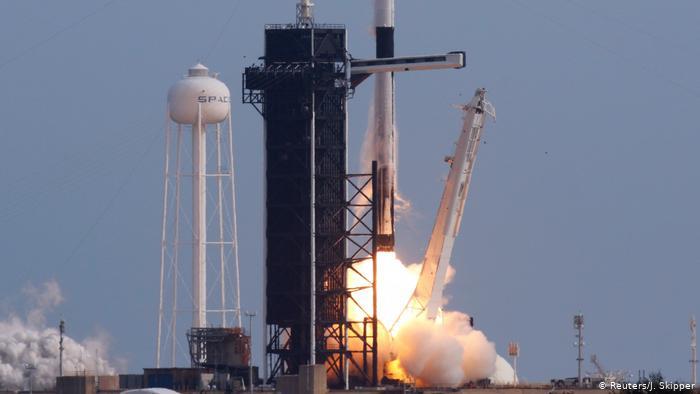 image for Guatemala lanza su primer satélite
