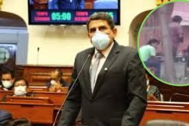 image for Congresista fue captado incumplimiendo aislamiento social en Oxapampa