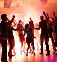 image for Aglomerações em um bar no Centro da cidade