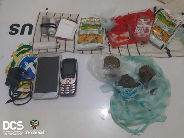 image for PM apreende drogas e celulares arremessados para dentro da Unidade Prisional