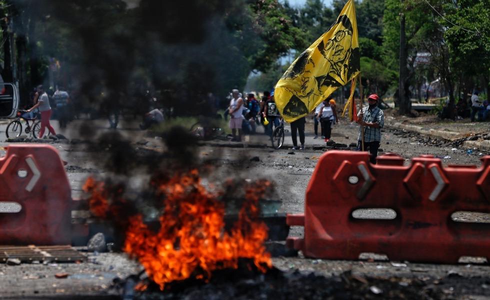 image for Fiscalía imputa cargos a 160 personas por delitos en protestas