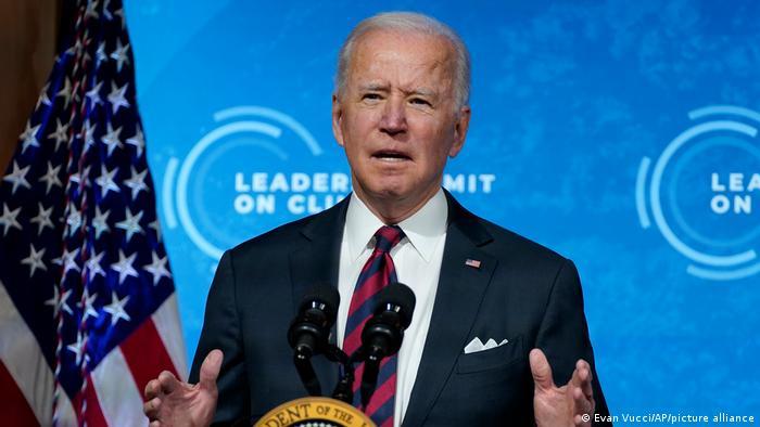 image for Drástico compromiso para frenar cambio climático / Biden