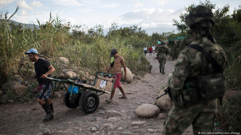 image for Border between Colombia and Venezuela remains restricted