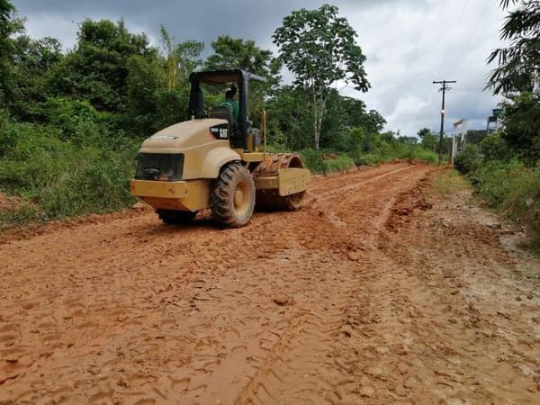image for Estrada Norte II recebendo maquinária e equipe para abertura e terraplangem