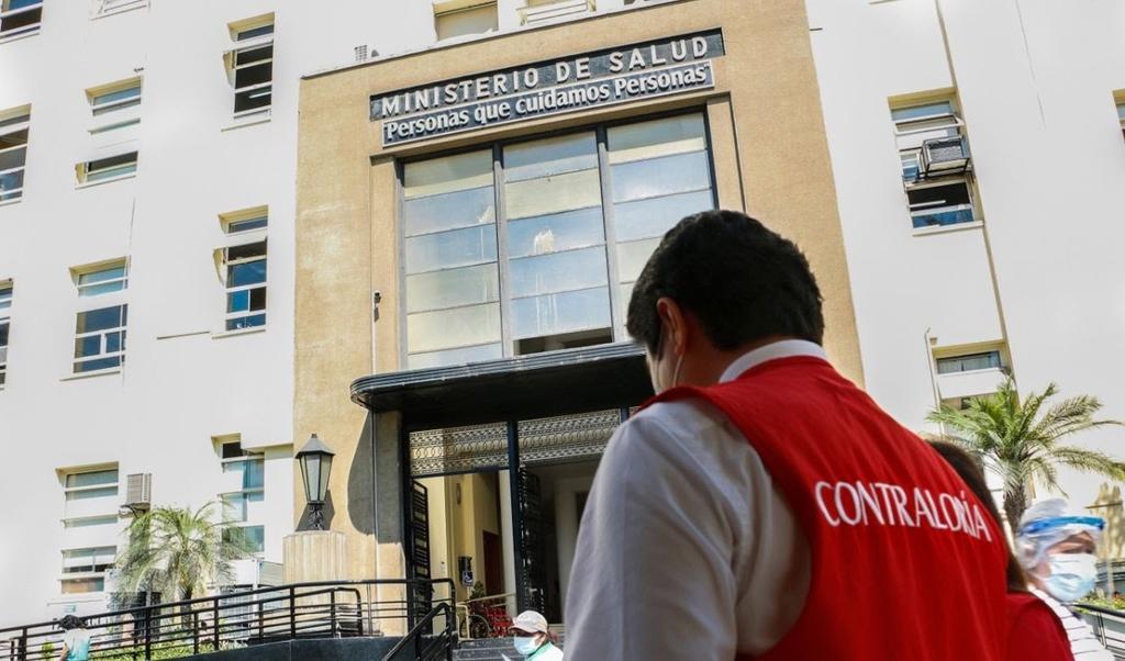 image for Contraloría investiga caso de funcionarios vacunados