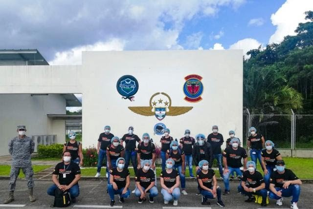 image for Profesionales voluntarios llegan a Leticia para apoyar crisis del Covid-19