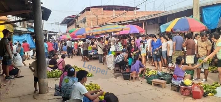 image for Mercado de Requena en horas de la mañana
