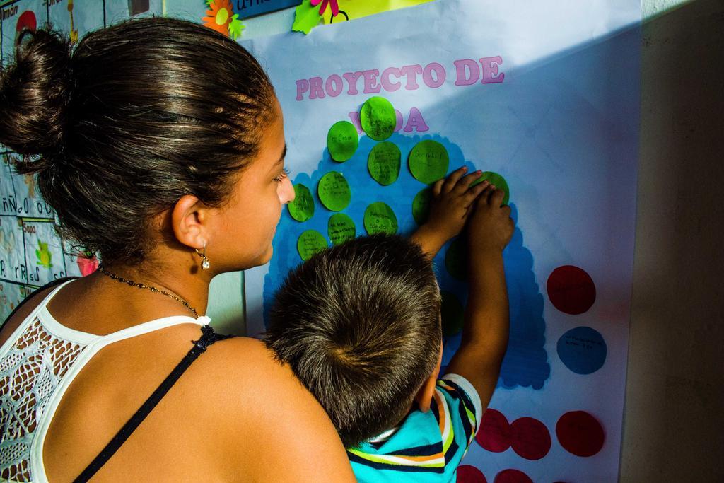image for Primer curso nacional sobre Crianza Amorosa+Juego