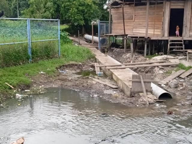 image for Colegio verterá desagüe sobre asentamientos humanos del distrito de Punchana
