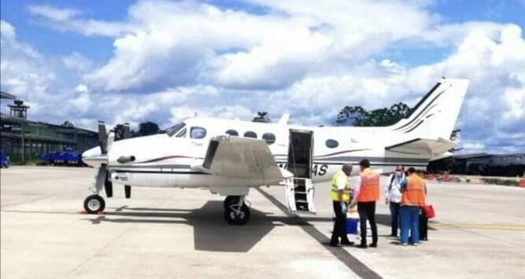 image for Avión patrulla aérea con dos epidemiologos llegó a la ciudad