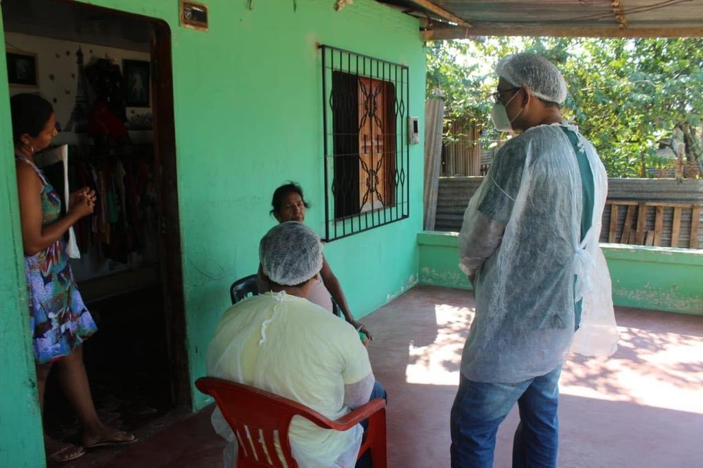 image for Profissionais de saúde em ação domiciliar