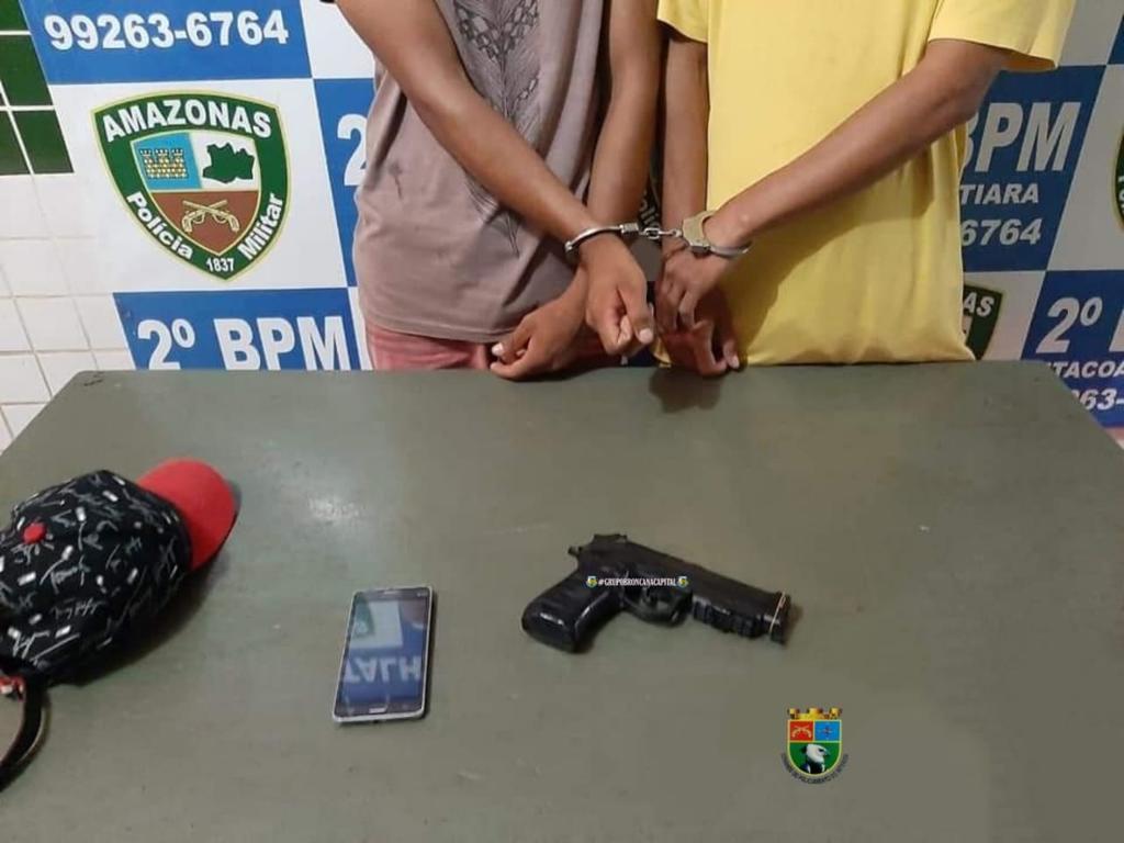 image for Dupla de adolescentes é presa por policiais