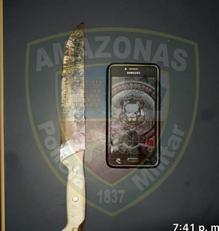 image for Polícia Militar prende um bandido após roubar celular