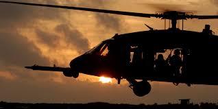 image for Helicóptero black hawk del Ejército cae sobre el río Inírida