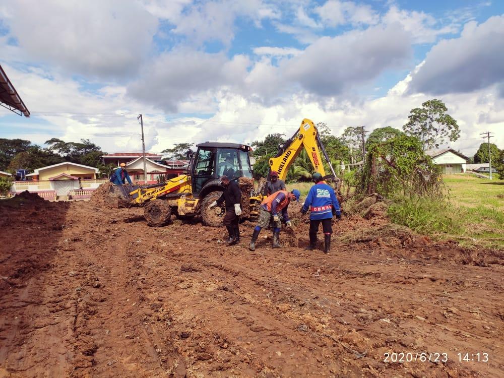 image for Serviços de limpeza retirada de entulhos e terraplanagem