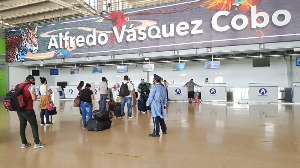 image for Aeropuerto Alfredo Vázquez Cobo activa los vuelos comerciales