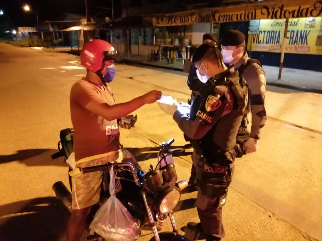 image for Polícia do militar do Estado em cumprimento do Decreto  municipal
