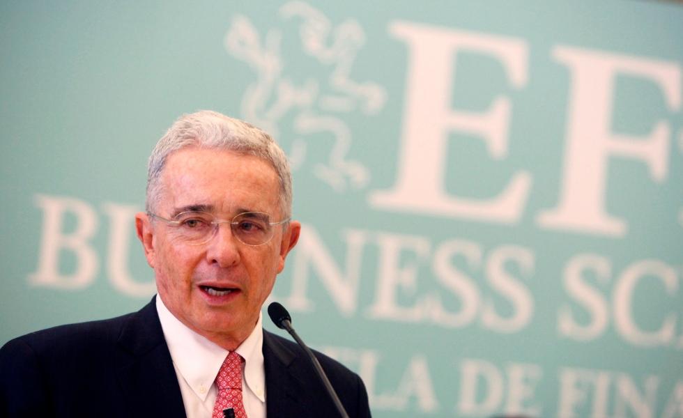 image for Corte se reunirá de forma extraordinaria para definir caso Uribe