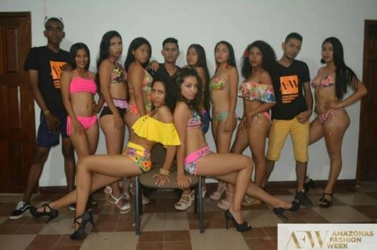 Modelos en una sesion de fotos Amazonas Fashion Week