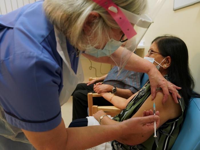 image for Contraloría confirma existencia de contratos para la compra de vacunas