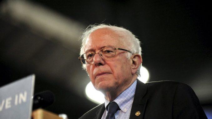 Bermont Bernie Sanders en una conferencia