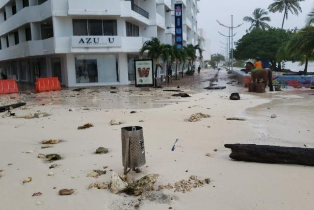 image for Conozca dónde puede donar ayudas para los damnificados de San Andrés