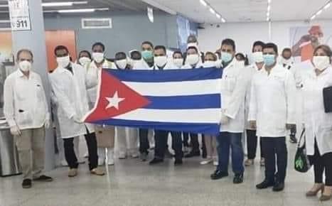 image for Médicos llegan al Perú desde Cuba para ayudar en hospitales
