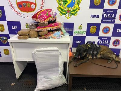image for Policia Jade ajuda a apreender 7 kg de drogas