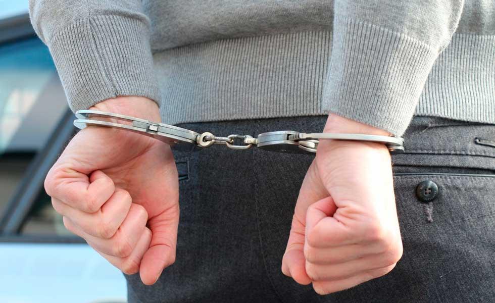 image for Mafioso italiano que mató a su hermana es arrestado