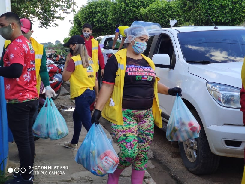 image for Famílias carentes recebem cestas básicas do Programa PISC