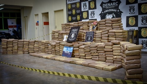 image for Detienen a dos colombianos con 600 kilogramos de marihuana