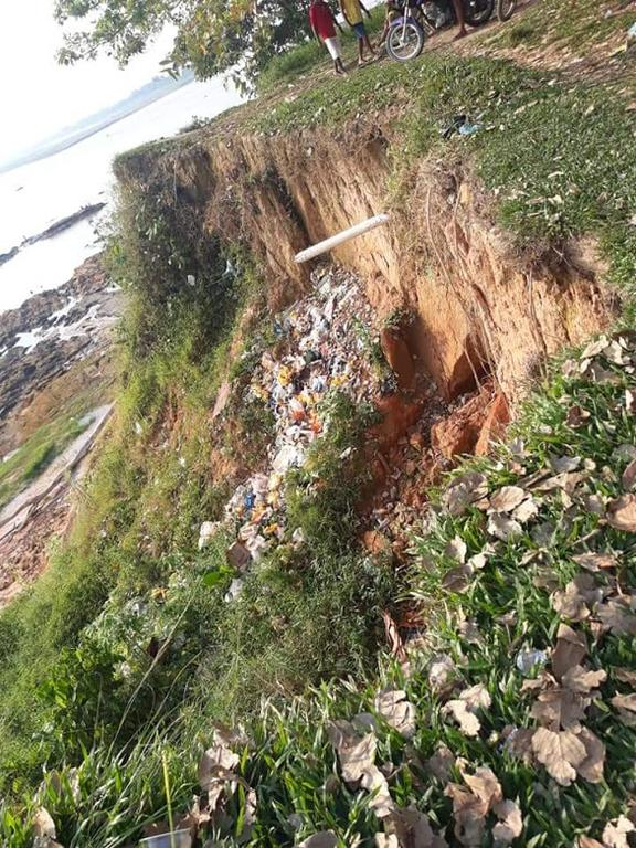 image for Comara está sendo invadido por lixo em seu barranco