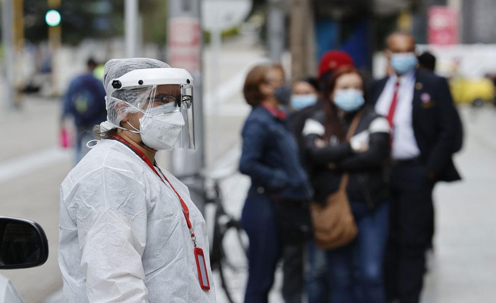 image for Alcaldesa asegura que Bogotá ya superó el tercer pico de la pandemia
