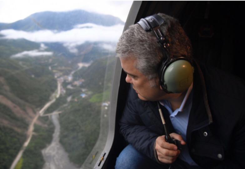 image for Presidente Duque realiza sobrevuelo por la vía al Llano