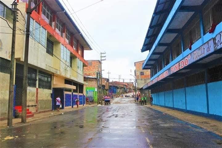 image for Calles vacías después de ser retirados puntos de venta del mercado
