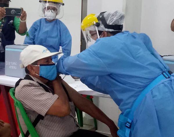 image for Inicia Jornada de Vacunación contra la Covid 19 para Adultos Mayores