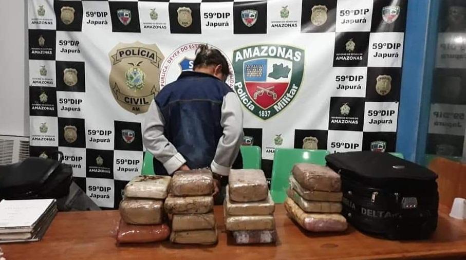 image for Foi presa em flagrante com 15 tabletes de drogas