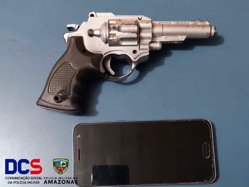 image for Detêm homem com simulacro de arma de fogo