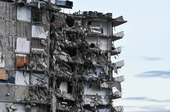 image for Aumentan a cuatro los muertos y hay 159 desaparecidos en Miami
