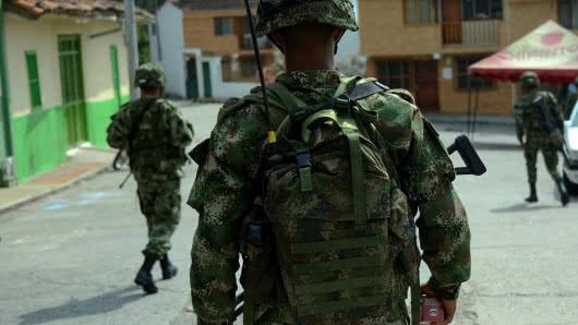 image for Ataque con explosivo en Arauca deja dos soldados muertos y diez